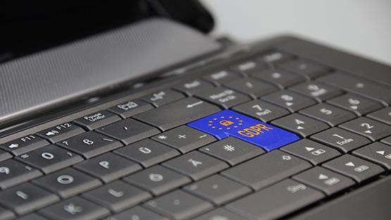 laptop-32337801